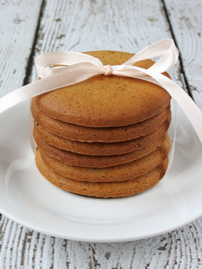 Crispy Gingersnap Cookies | YummyAddiction.com