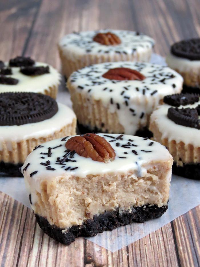 Super Delicious Mini Peanut Butter Oreo Cheesecakes | YummyAddiction.com