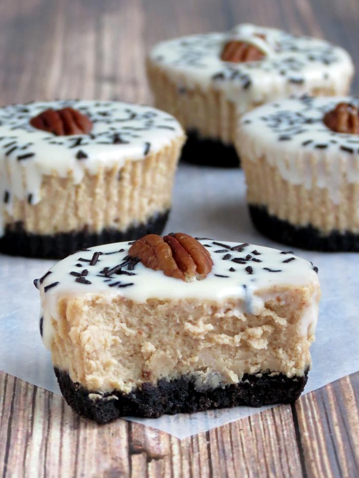 Yummy Oreo Cheesecake Cupcakes | YummyAddiction.com