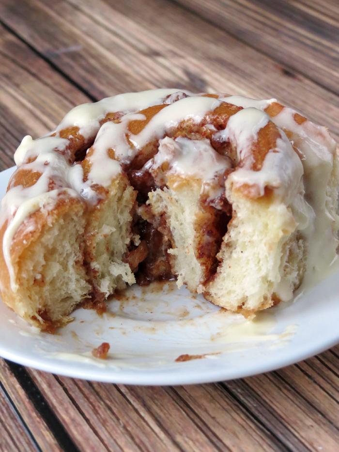 Apple Cinnamon Rolls | YummyAddiction.com
