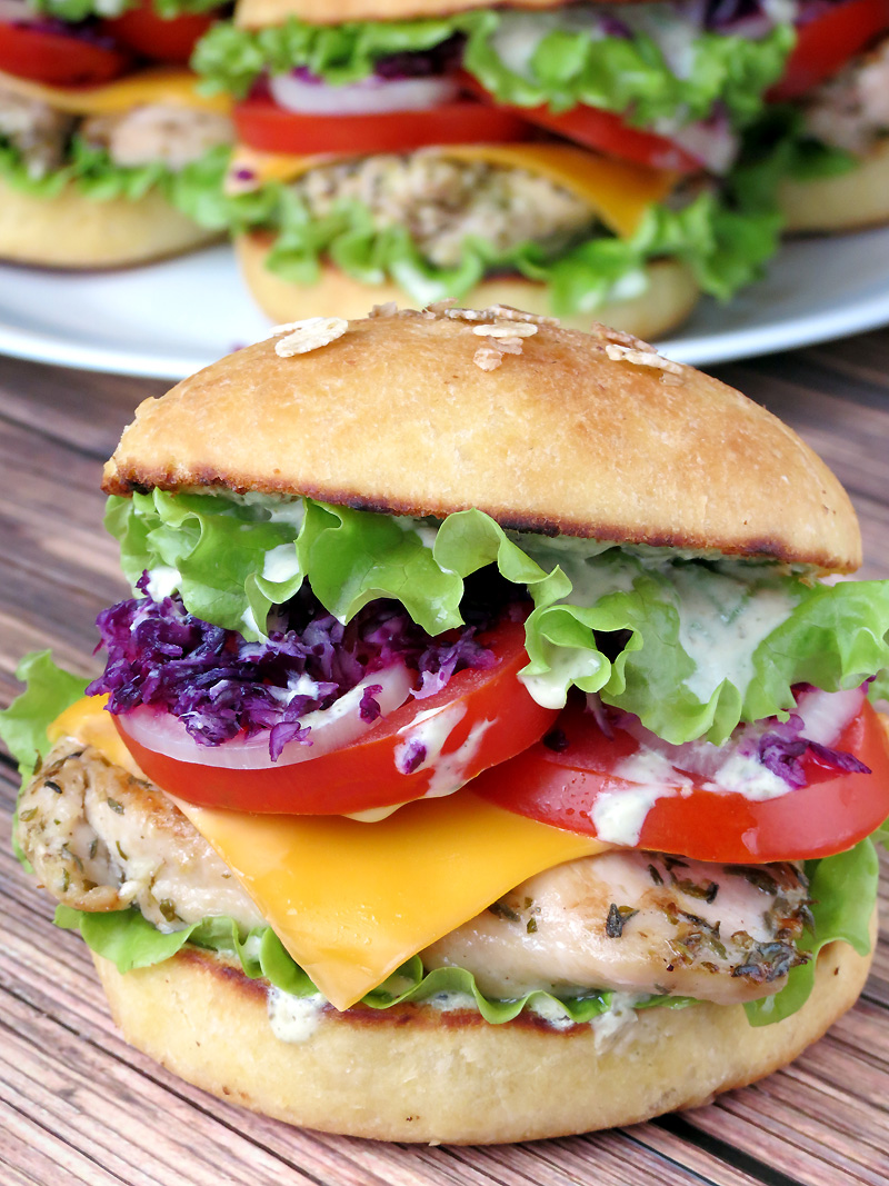 Grilled Chicken Burgers With Yogurt Pesto Sauce