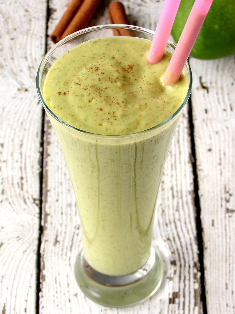 This Mango Avocado Spinach Smoothie is brimming with vitamins and minerals and has such a lovely taste! | YummyAddiction.com