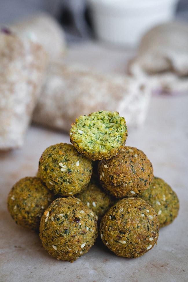 Freshly cooked falafel balls