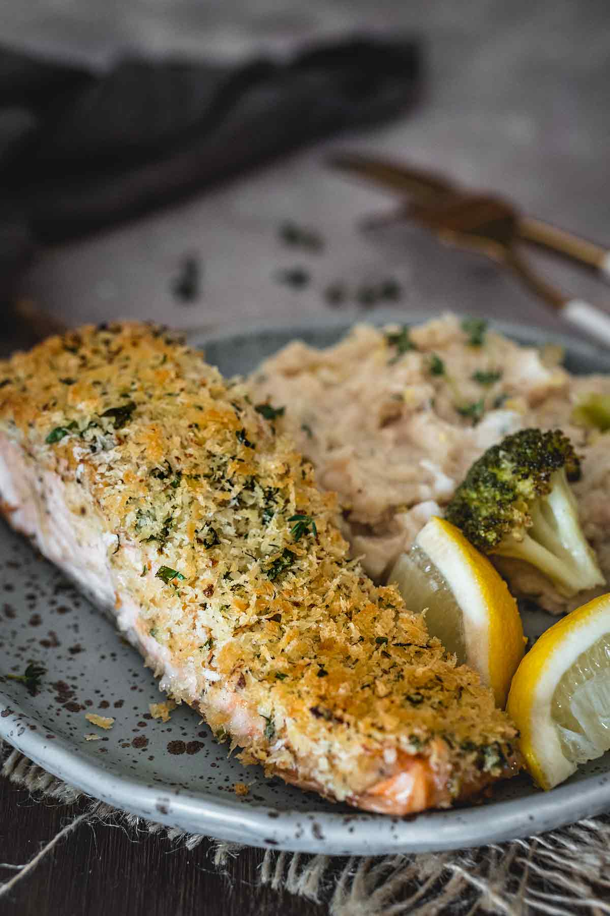 Herb Panko Crusted Salmon | YummyAddiction.com
