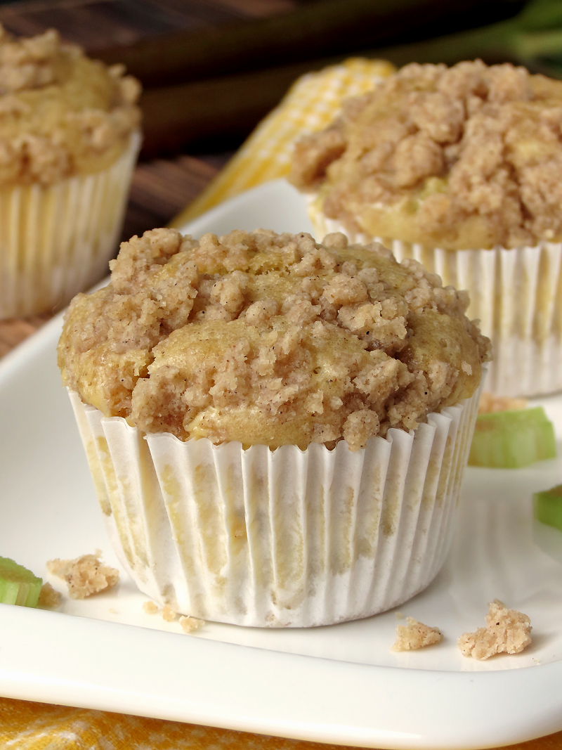 Cheesecake-Filled Rhubarb Muffins With A Crunchy Crumble Top | YummyAddiction.com