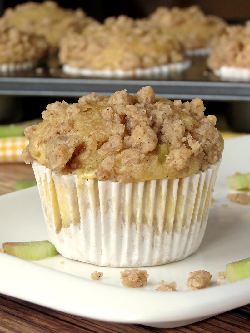 Cheesecake-Filled Rhubarb Muffins | YummyAddiction.com