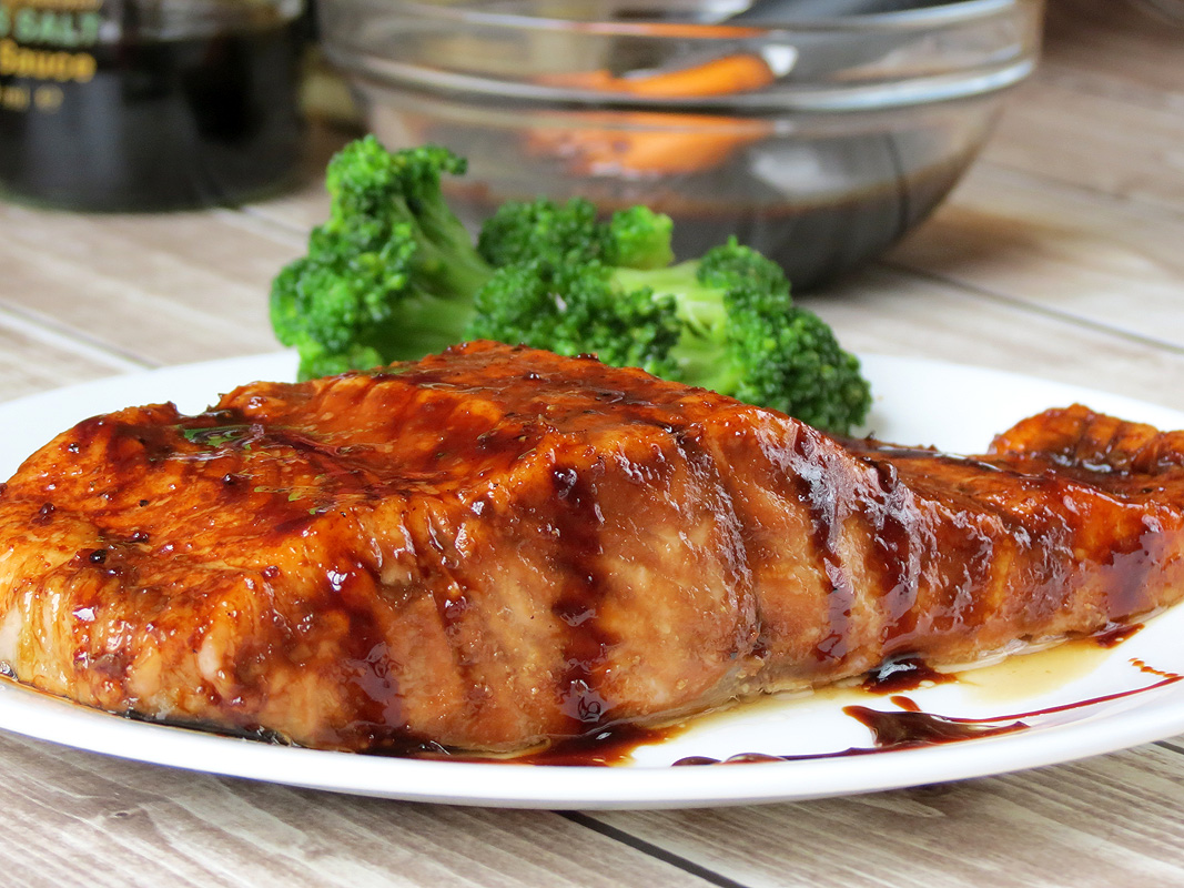 Salmon with Brown Sugar and Bourbon Glaze | YummyAddiction.com