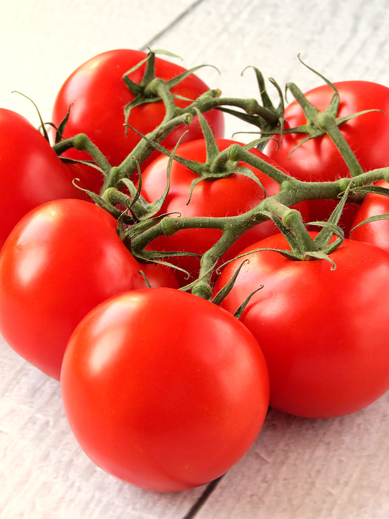 Fresh Tomatoes | YummyAddiction.com