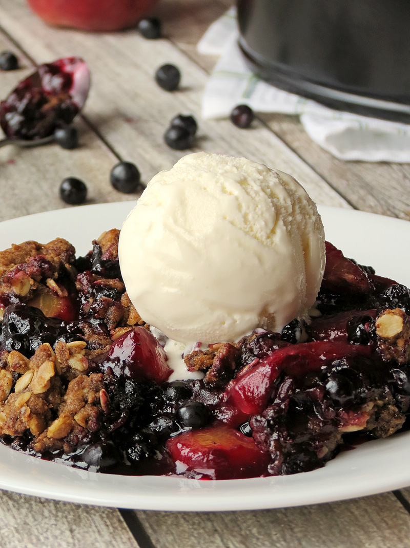 Peach Blueberry Crisp With Vanilla Ice Cream | YummyAddiction.com