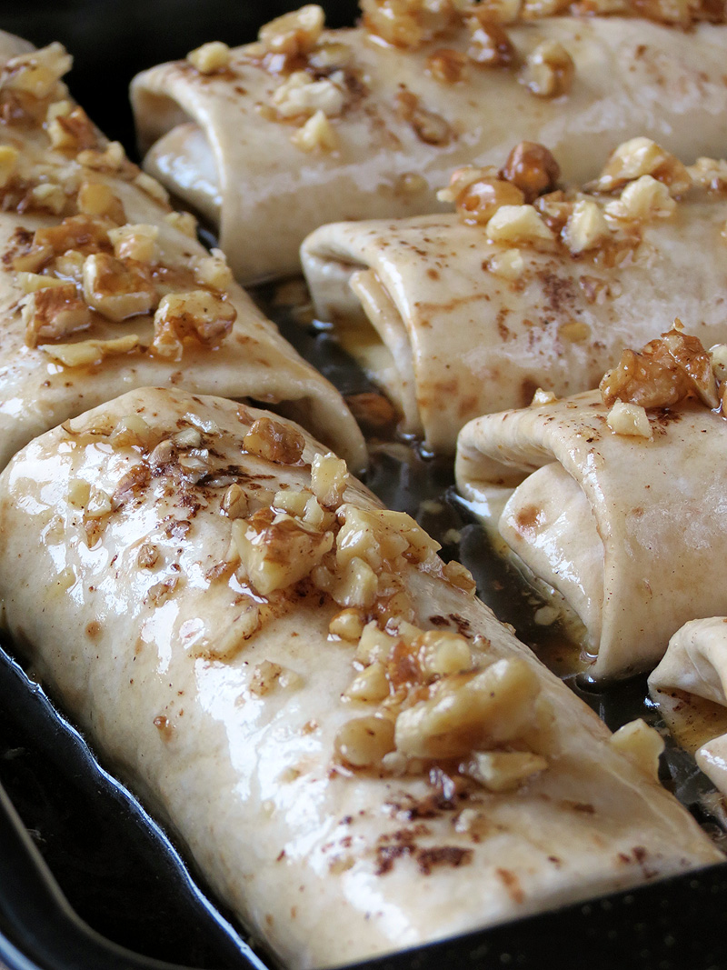 Apple-Cinnamon Enchiladas | YummyAddiction.com