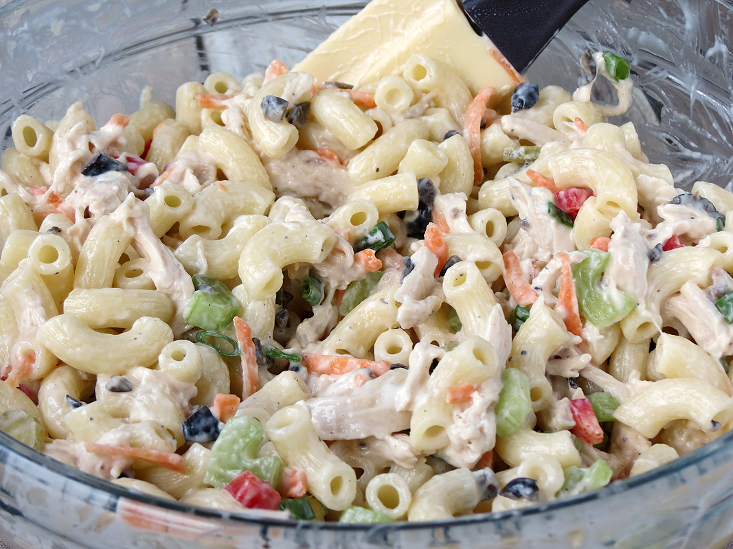 How To Make Chicken Macaroni Salad | YummyAddiction.com