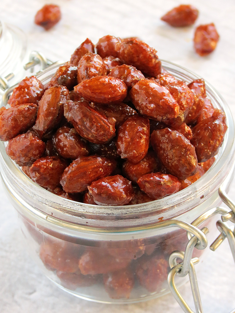 Honey Cinnamon Roasted Almonds | YummyAddiction.com