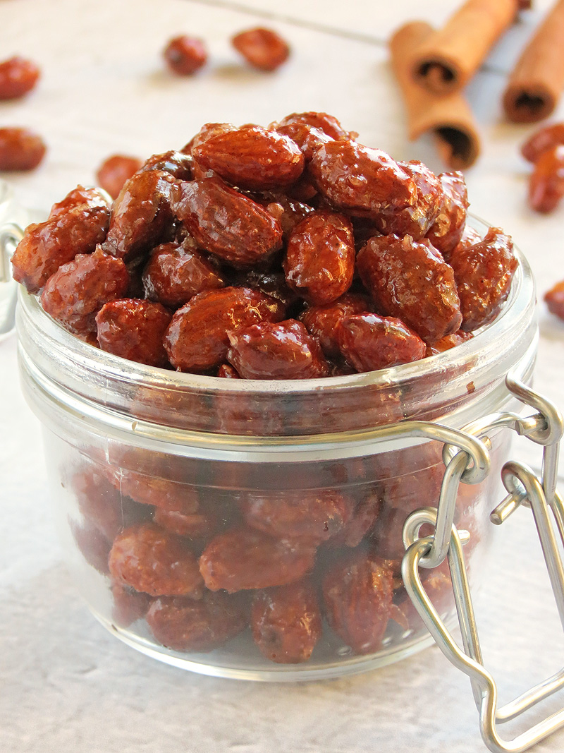 Sweet, Slightly Salty And Crunchy Honey Cinnamon Roasted Almonds | YummyAddiction.com