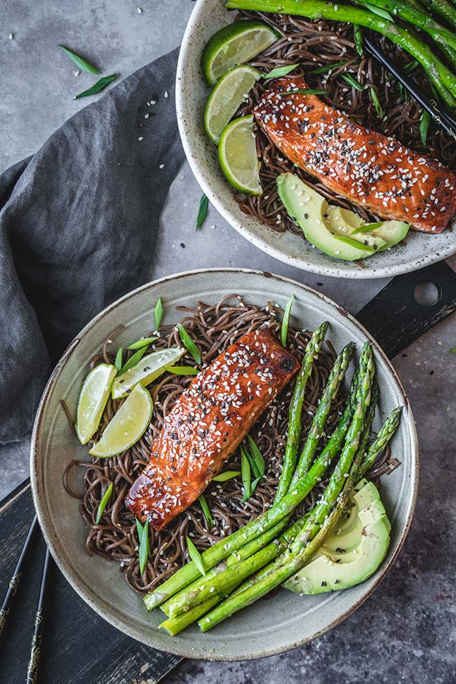 Baked Teriyaki Salmon With Soba Noodles, Grilled Asparagus And Fresh Avocado | YummyAddiction.com
