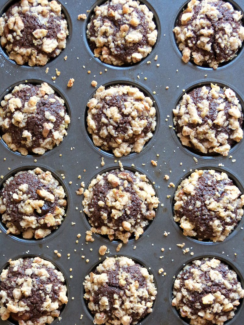 Banana Chocolate Quinoa Muffins | @yummyaddiction