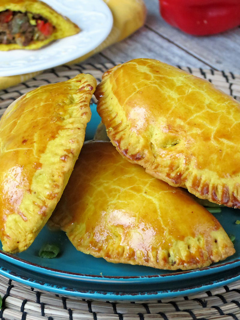 Jamaican Meat Patties | @yummyaddiction