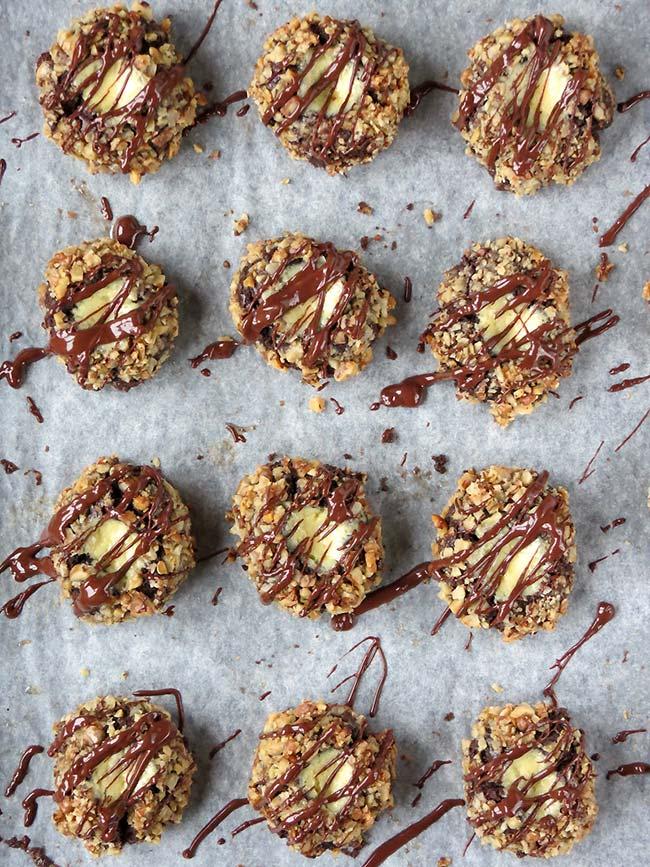 Chocolate Walnut Thumbprints With Cheesecake Filling | yummyaddiction.com
