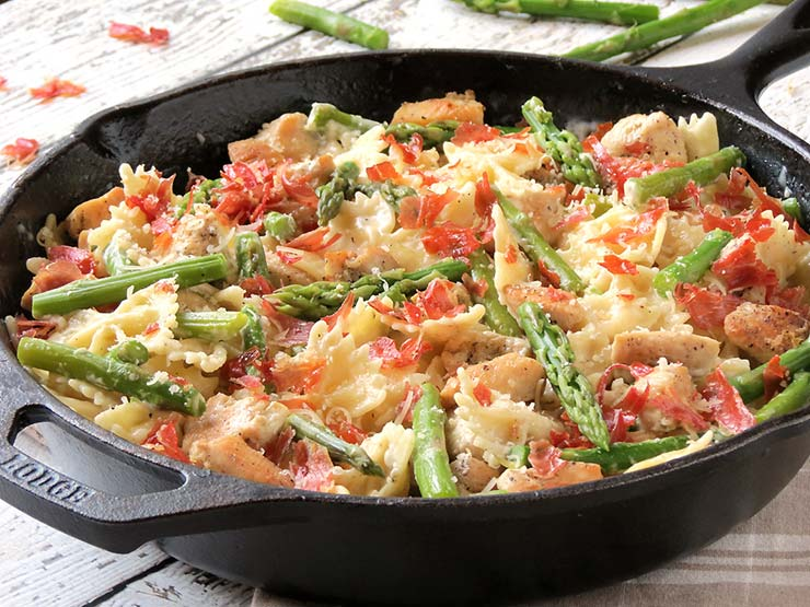 Creamy Chicken, Asparagus And Prosciutto Pasta