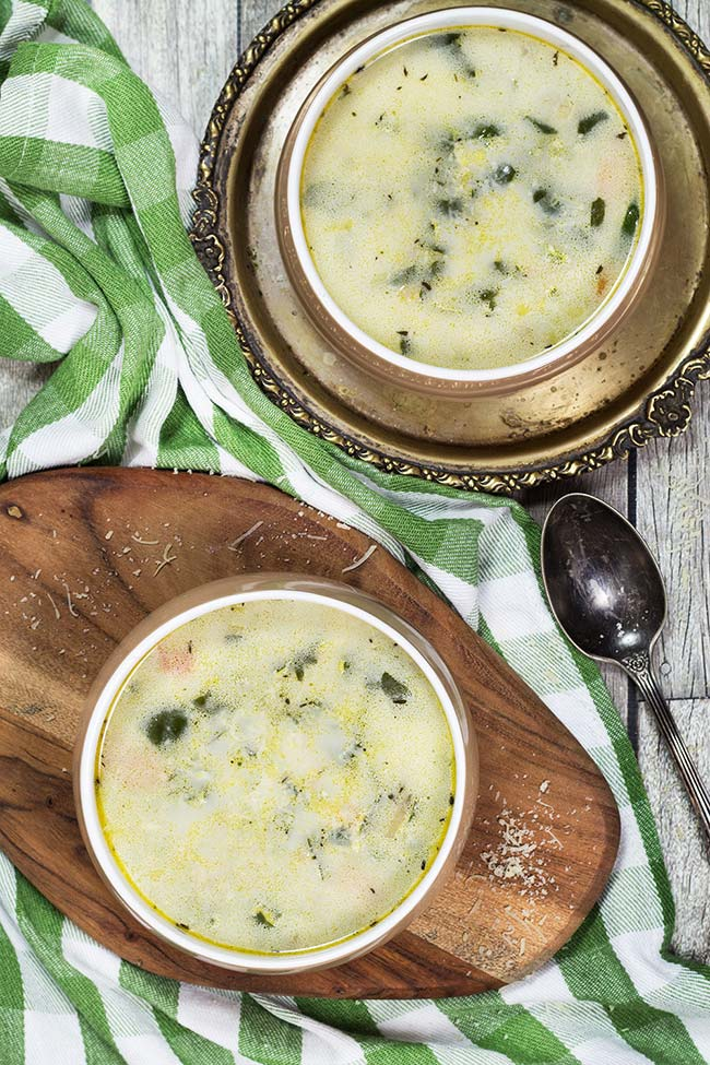 This Chicken Florentine Soup is perfect for chilly fall and winter days. Creamy, cheesy, and comforting, it is guaranteed to warm you up from the inside!   yummyaddiction.com