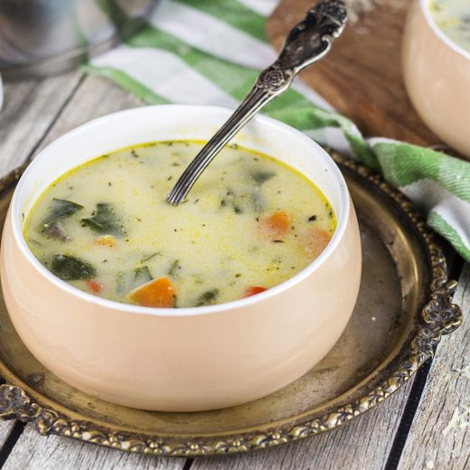 This Chicken Florentine Soup is perfect for chilly fall and winter days. Creamy, cheesy, and comforting, it is guaranteed to warm you up from the inside! | yummyaddiction.com