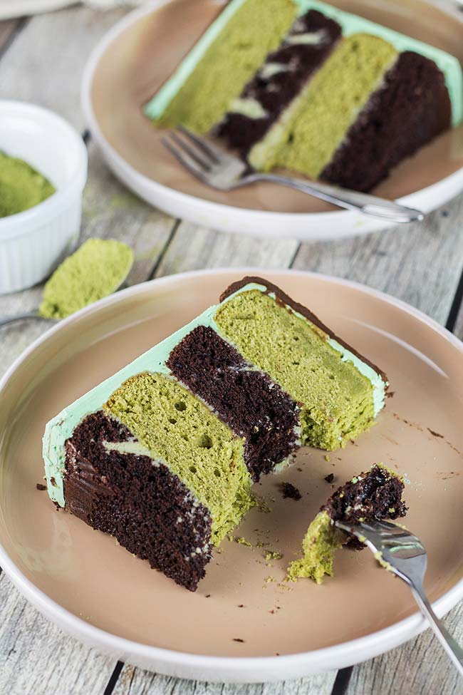 chocolate green tea cake matcha cake w white. Black Bedroom Furniture Sets. Home Design Ideas