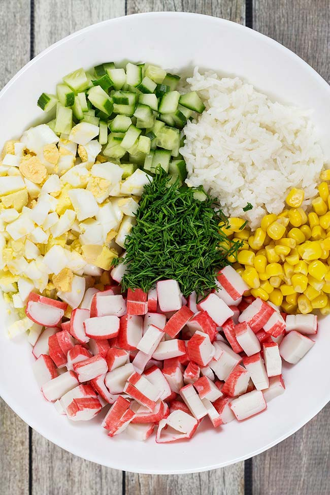Crab salad with corn and cucumber. Recipes