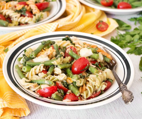 This Tuna Pasta Salad ticks all the boxes. Featuring green beans, potatoes, and tomatoes, it's nutritious, light but filling, and full of flavor!   yummyaddiction.com