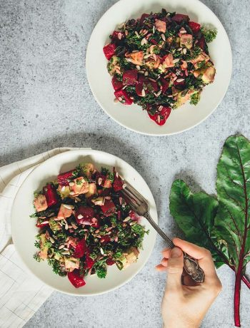 This Roasted Beet and Avocado Salad with sunflower seeds and a bunch of other great stuff is fresh, full of flavor, and super easy to make! | yummyaddiction.com