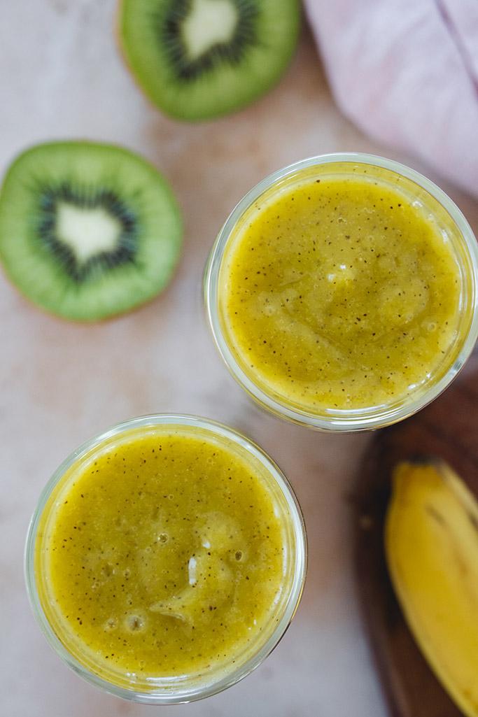 Kiwi mango smoothie overhead shot