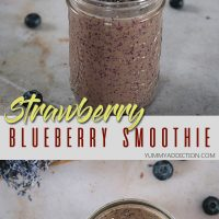 strawberry blueberry and spinach smoothie pin image
