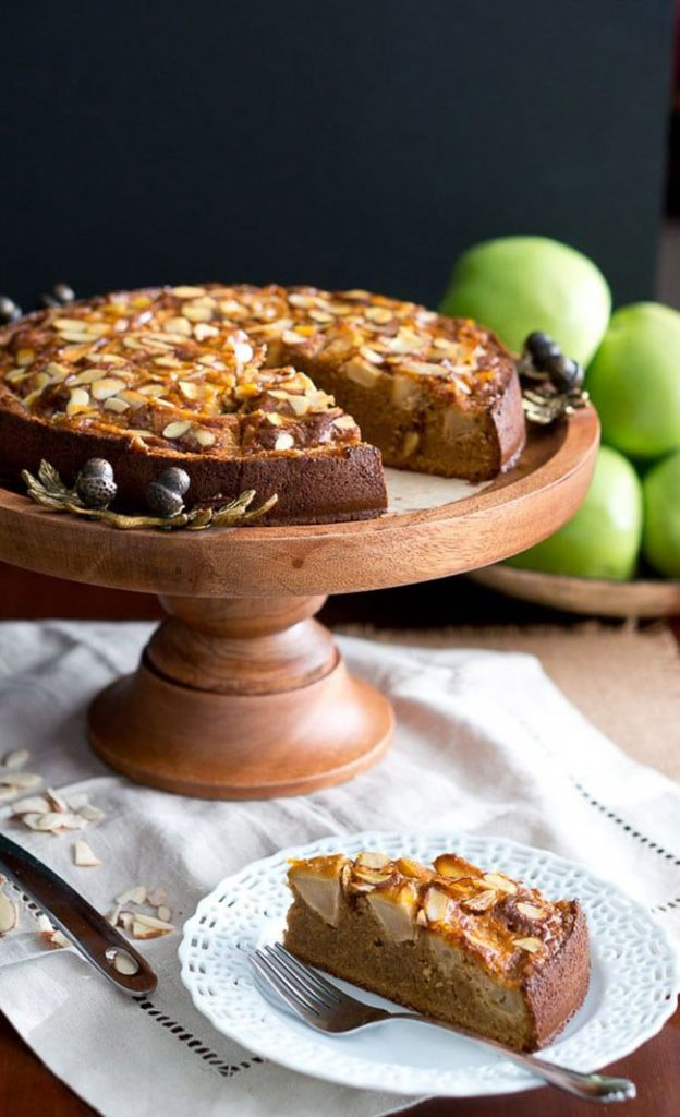 Apple almond cake slice