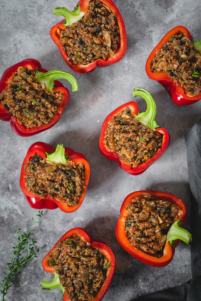 Mushroom and quinoa stuffed peppers without cheese