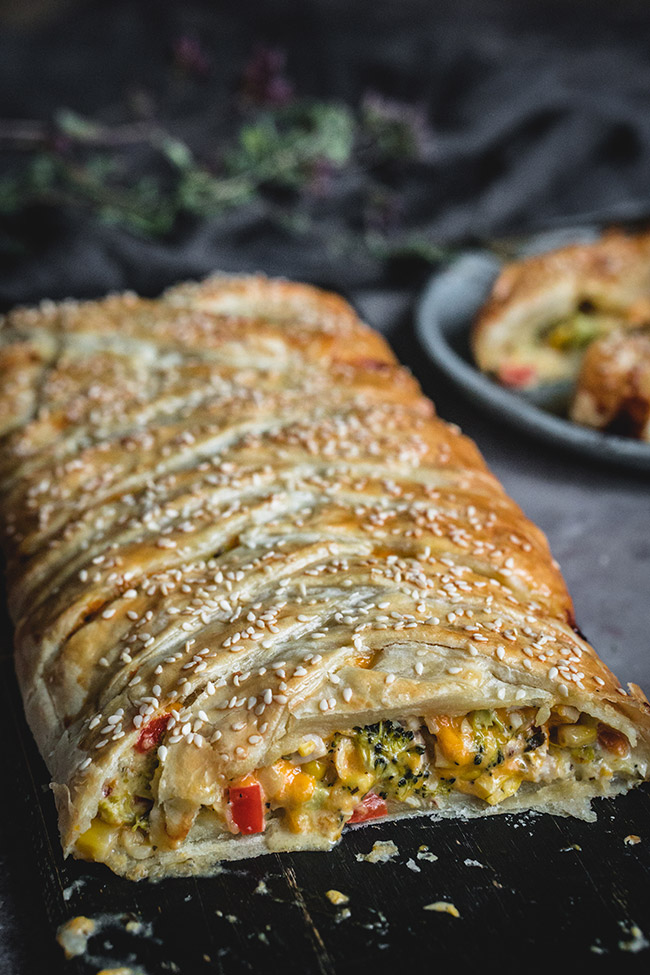 Pastry braid filled with chicken and broccoli
