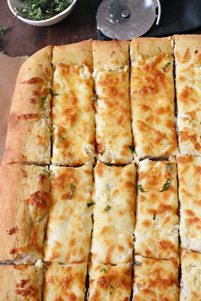 Sliced cheesy bread