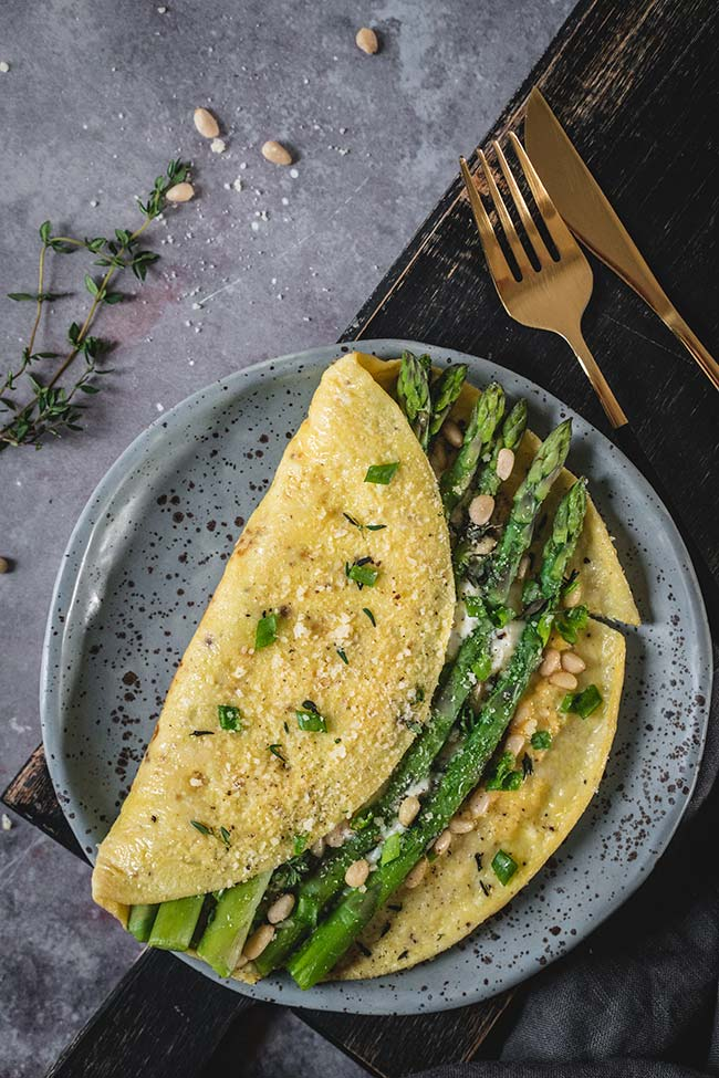 Asparagus and ricotta omelet on a plate