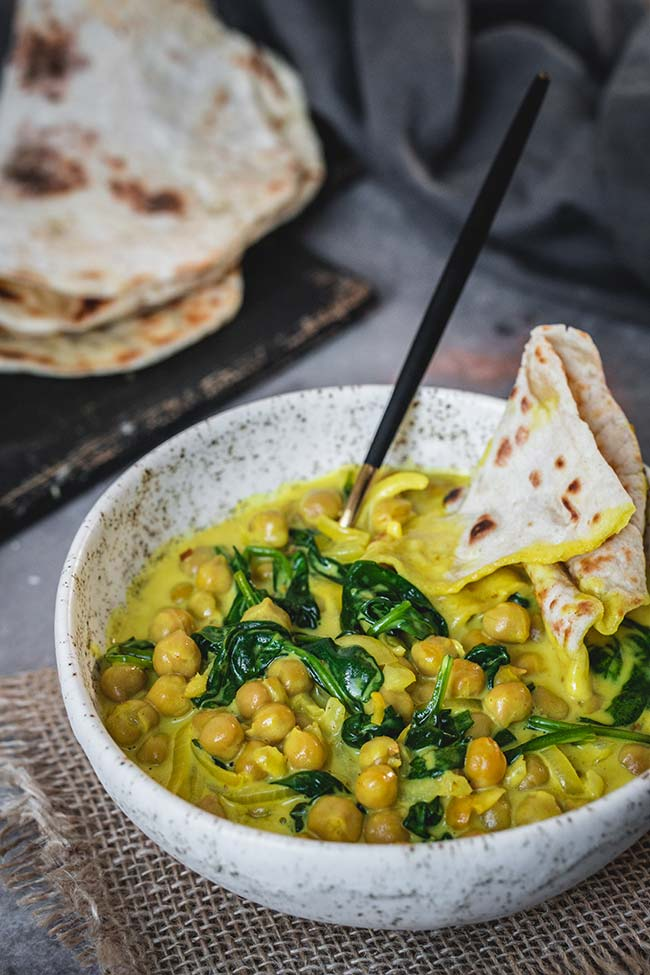 Creamy Chickpea and Spinach curry