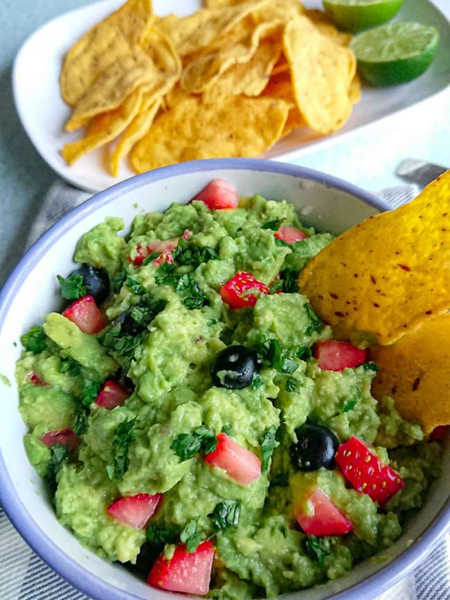 The Best Guacamole With Berries