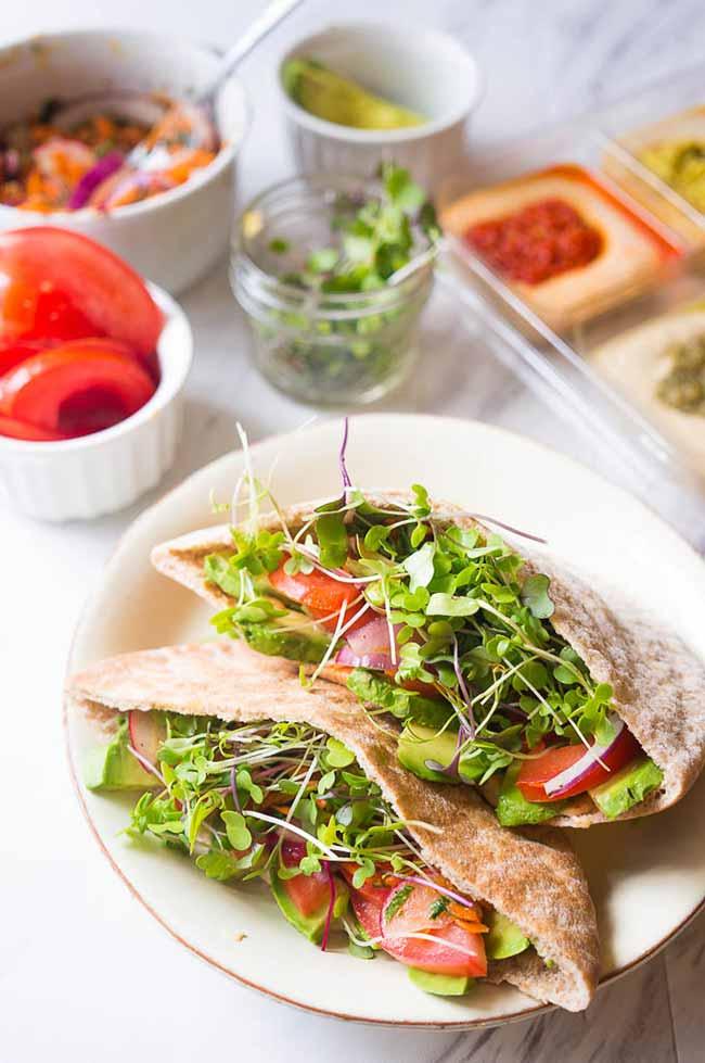 Veggie Pitas with Hummus