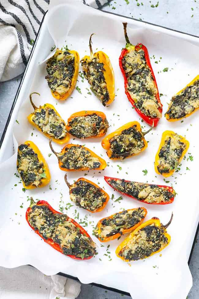 Stuffed Mini Peppers – with Spinach and Artichoke